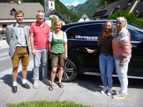 Papa Manfred, Gerhard Hofbauer, Mama Ingrid, Meli Arrer, Eva Hofbauer, Quelle: Privat
