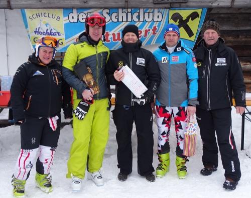 Siegerehrung (Rennen 1), AK III a: Masters-Sportwartin Elfriede Esletzbichler , 3. Platz Thomas Springer  (SC Steyr), 1. Platz Rainer Herb (SC Göstling-Hochkar), 2. Platz Heinz Schachinger (Union Randegg), Rennleiter Kurt Längauer, Quelle: Privat